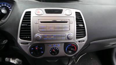 Doppel-DIN Radioblende für Hyundai I20 Bj 2012-2014 *silber*