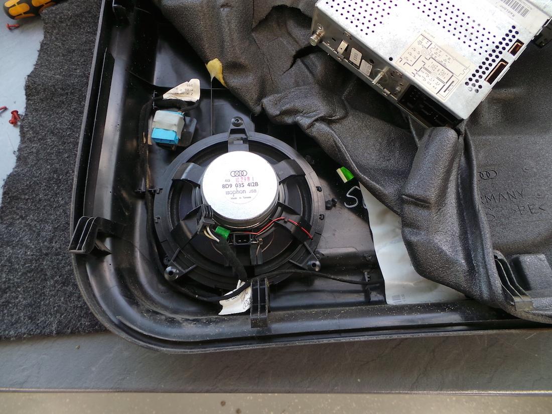 Autoradio einbau audi a4 ars24 onlineshop for Audi a4 breite mit spiegel