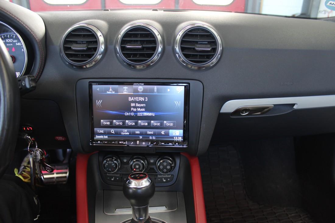alpine x800d u autoradio 2 din mit 8 touchscreen. Black Bedroom Furniture Sets. Home Design Ideas